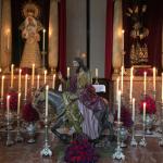 Altar a oscuras